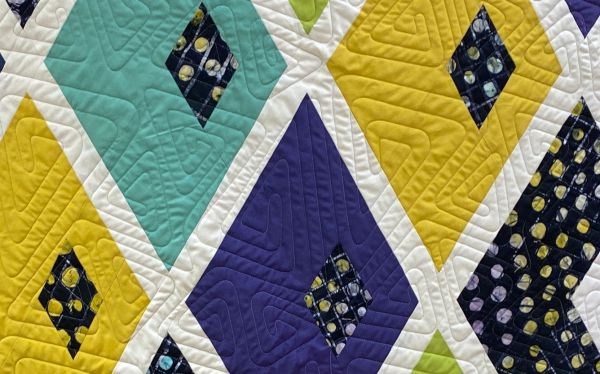 all-over-quilting-muster-blau-lila-gelb